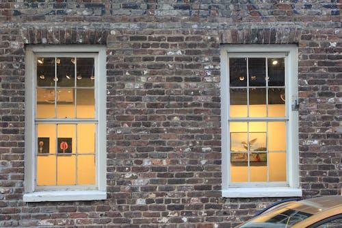 คลังภาพถ่ายฟรี ของ บ้านอิฐ, หน้าต่างกระจก, ห้องแสดงศิลปะ