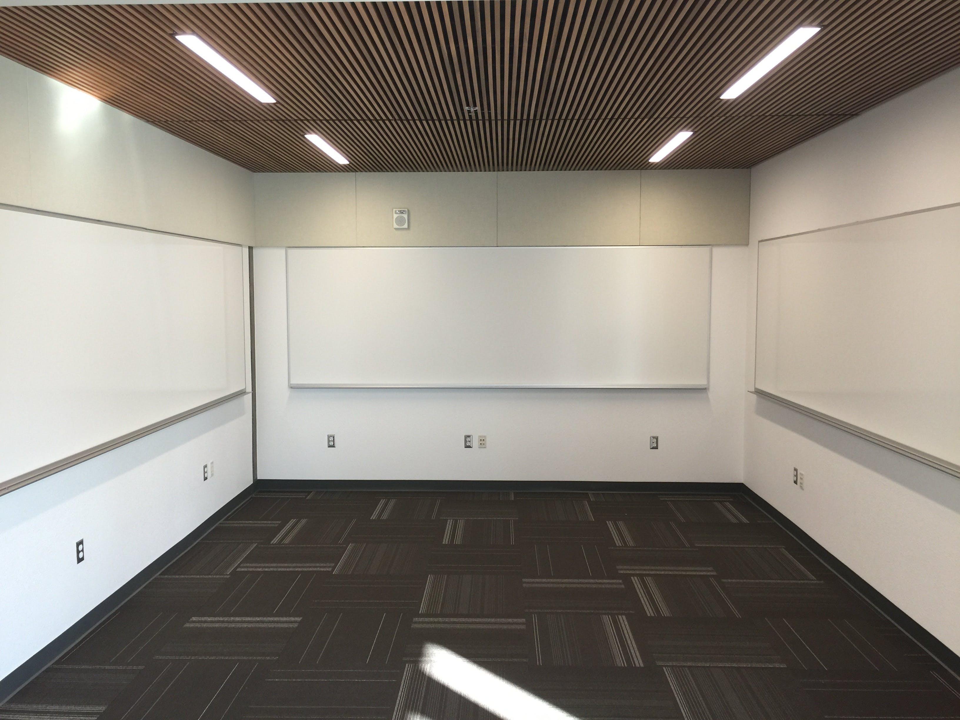 Darmowe zdjęcie z galerii z podłoga, pokój, pusty, sufit
