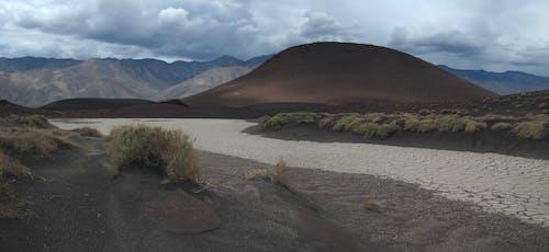 Бесплатное стоковое фото с гора, дневной свет, долина, дорога