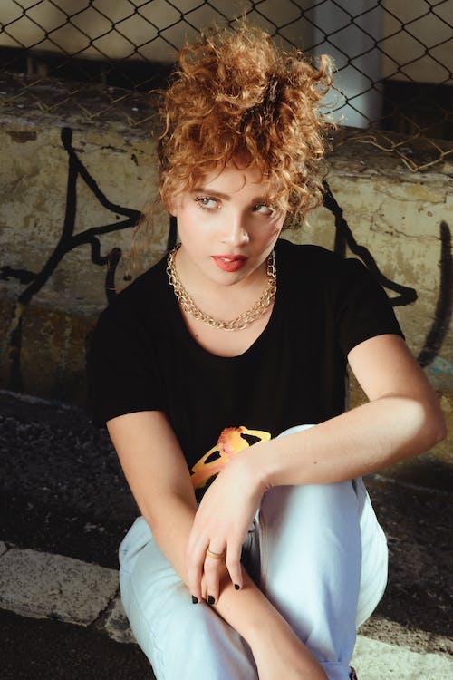 Imagine de stoc gratuită din 20-25 de ani, blond, drum, fată