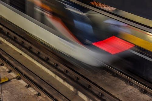Kostenloses Stock Foto zu elektrischer zug, metro, u-bahn station, zug
