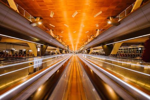 Foto d'estoc gratuïta de aeroport, cadires, desenfocament, dramàtic