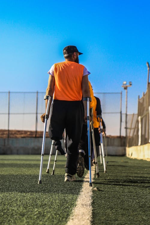 Immagine gratuita di concorrenza, disabilitato, divertimento, erba