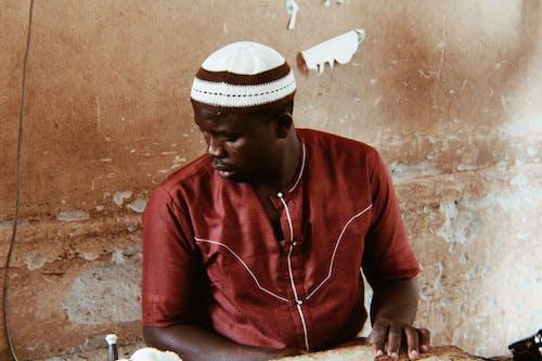 คลังภาพถ่ายฟรี ของ คนแอฟริกา, ความชัดลึก, ช่างซ่อมกล้อง, ชายผิวดำ