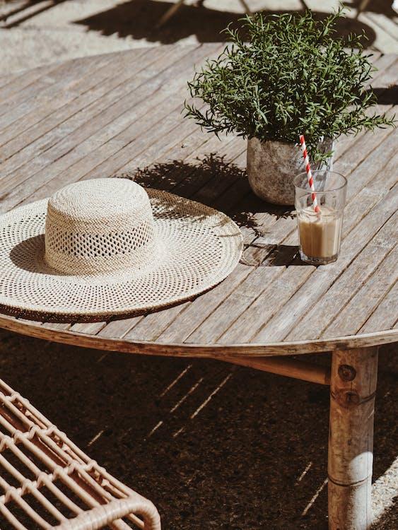 klobúk, nápoj, príslušenstvo
