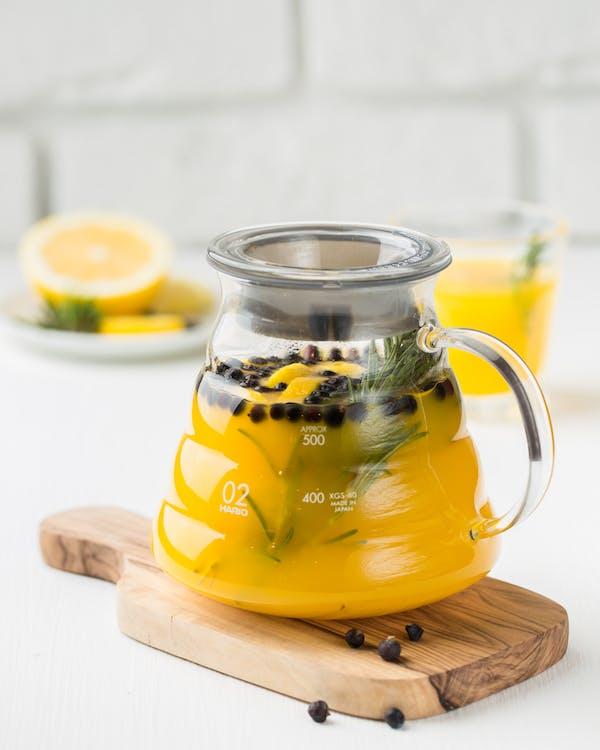 adentro, amarillo, beber