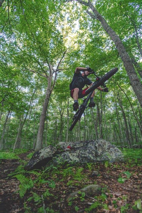 Безкоштовне стокове фото на тему «їздити, велосипед, велосипедист, веселий»