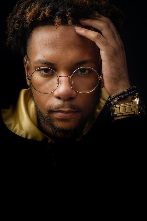 афро-американец, бальк мужчины, золотистый