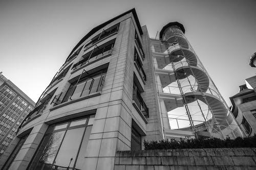 低角度拍攝, 反射, 城市, 塔 的 免费素材照片