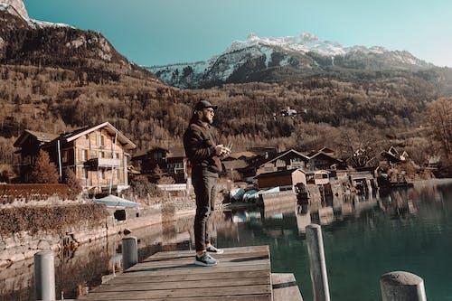 Foto d'estoc gratuïta de Alps suïssos, arbre, atracció turística, auto-retrat
