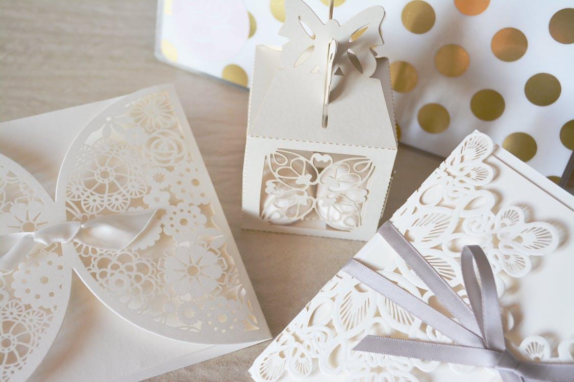 White Lace Folder