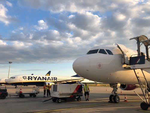 Ilmainen kuvapankkikuva tunnisteilla Budapest, ilma, kaupunki, lentokone