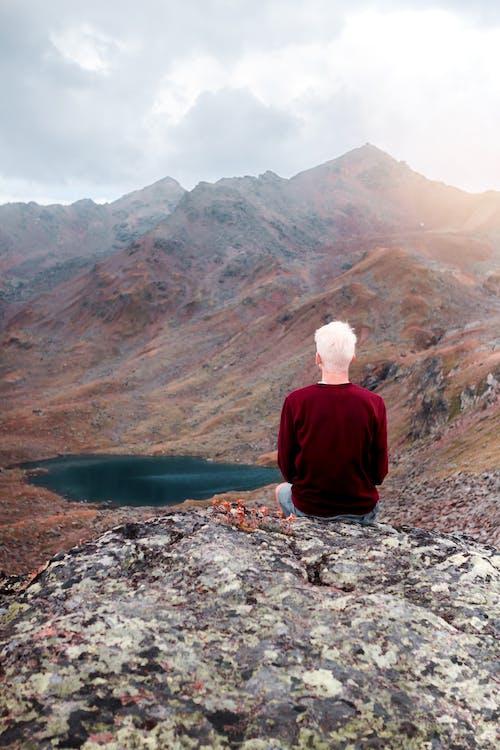 Безкоштовне стокове фото на тему «гора, гори, золоте сонце, озеро»