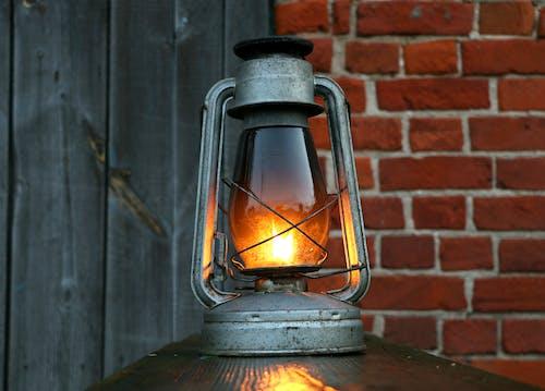 Gratis stockfoto met aangebrand, aardolie, antiek, belicht