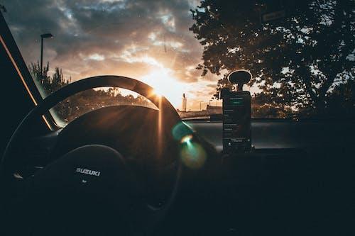 交通系統, 儀表板, 擋風玻璃, 方向盤 的 免费素材照片