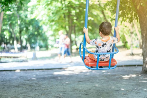 Fotos de stock gratuitas de balancearse, infancia, niño