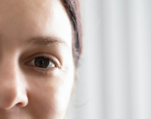 Fotobanka sbezplatnými fotkami na tému detail, detailný záber, dievča, krásne oči
