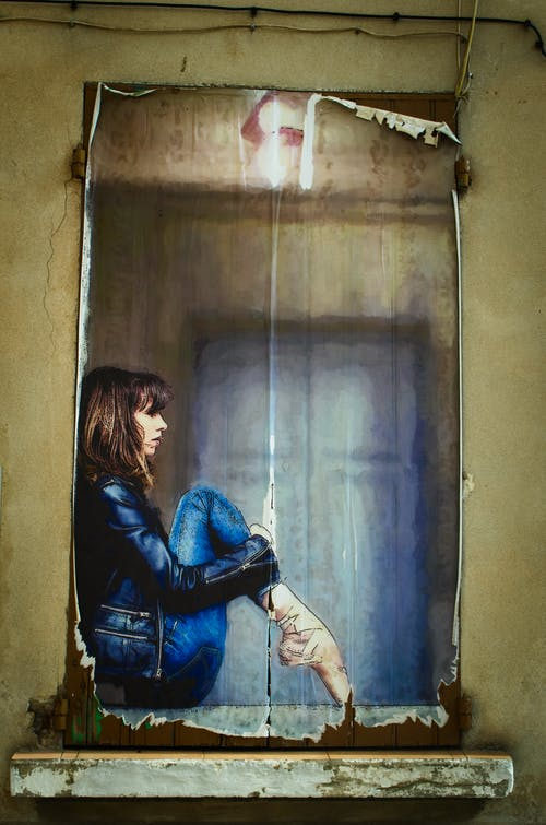 Immagine gratuita di affiche, arte di strada, davanzale, figlia