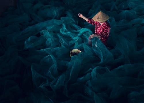 Základová fotografie zdarma na téma klobouk, lehký, osoba, rybáři