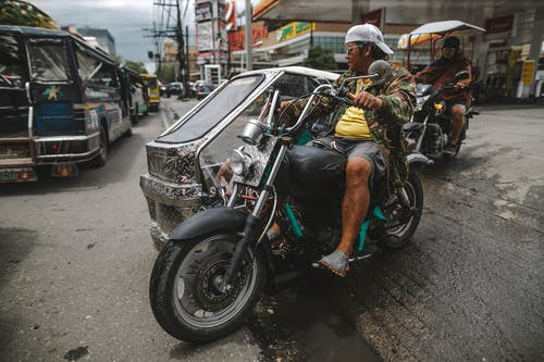 Бесплатное стоковое фото с байкер