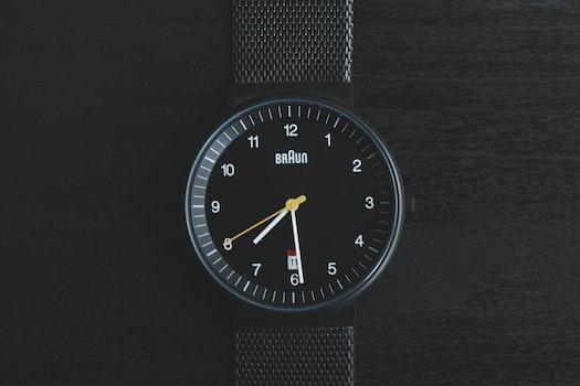 Free stock photo of hand, wristwatch, date, technology
