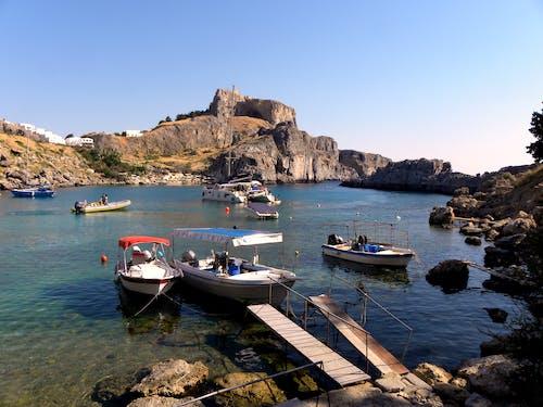 Ilmainen kuvapankkikuva tunnisteilla akropolis, kreikan saari, lahti, veneet