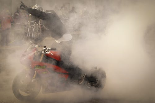 Foto d'estoc gratuïta de carreres de motos, casc, escena perillosa, esport