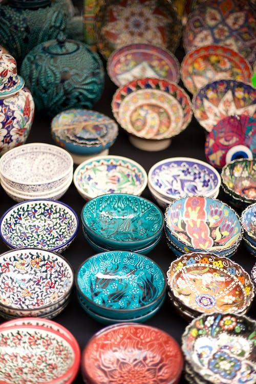farebné misy, keramika, kolekcia