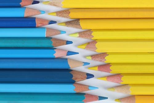 Ảnh lưu trữ miễn phí về bút chì màu, màu vàng, màu xanh da trời