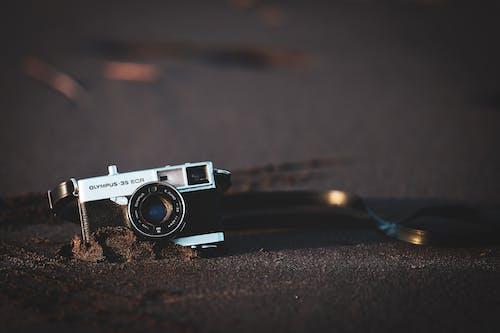 Безкоштовне стокове фото на тему «аналоговий, електроніка, камера, пісок»