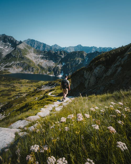 Foto stok gratis alam, backpacker, di luar rumah, gunung