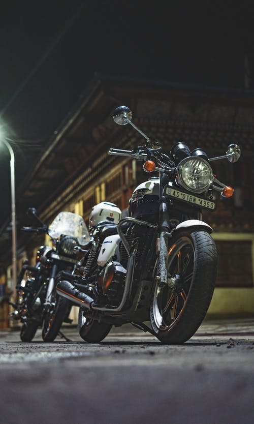 1000 Amazing Royal Enfield Bike Photos Pexels Free Stock Photos