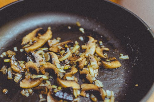 Closeup Photography of Sauteed Garlic