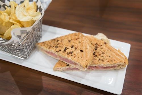 Základová fotografie zdarma na téma chipsy, chleba, čipy, jídlo