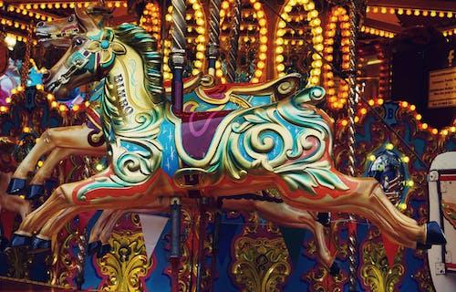 Gratis stockfoto met carrousel, jeugd, kermis, klassiek