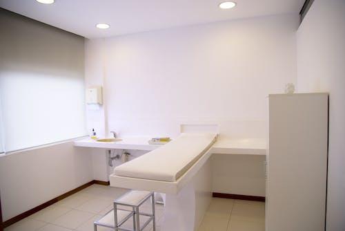 Darmowe zdjęcie z galerii z apartament, biały, dom, gabinet zabiegowy