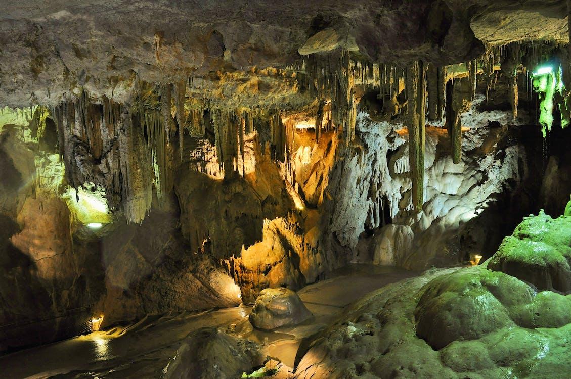 barlangok, Franciaország, grottes de bã © tharram