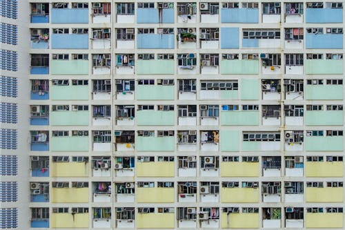 Immagine gratuita di architetto, colore, edificio, finestre