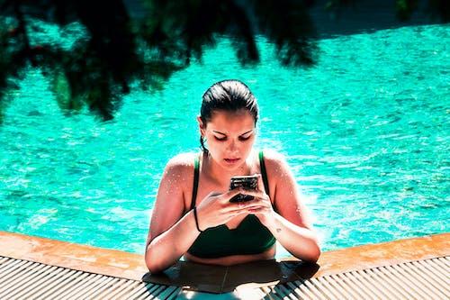 Безкоштовне стокове фото на тему «басейн, вода, дівчата, літо»