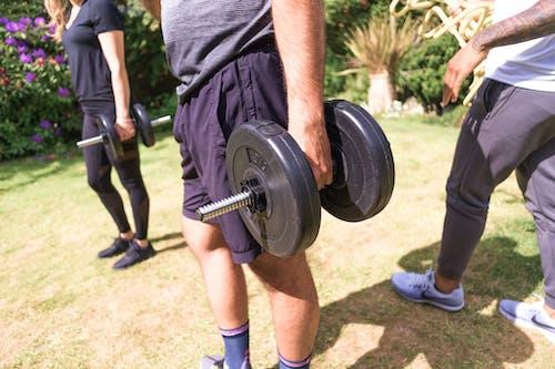 Бесплатное стоковое фото с индивидуальная тренировка, отягощения, подготовка, силовая тренировка