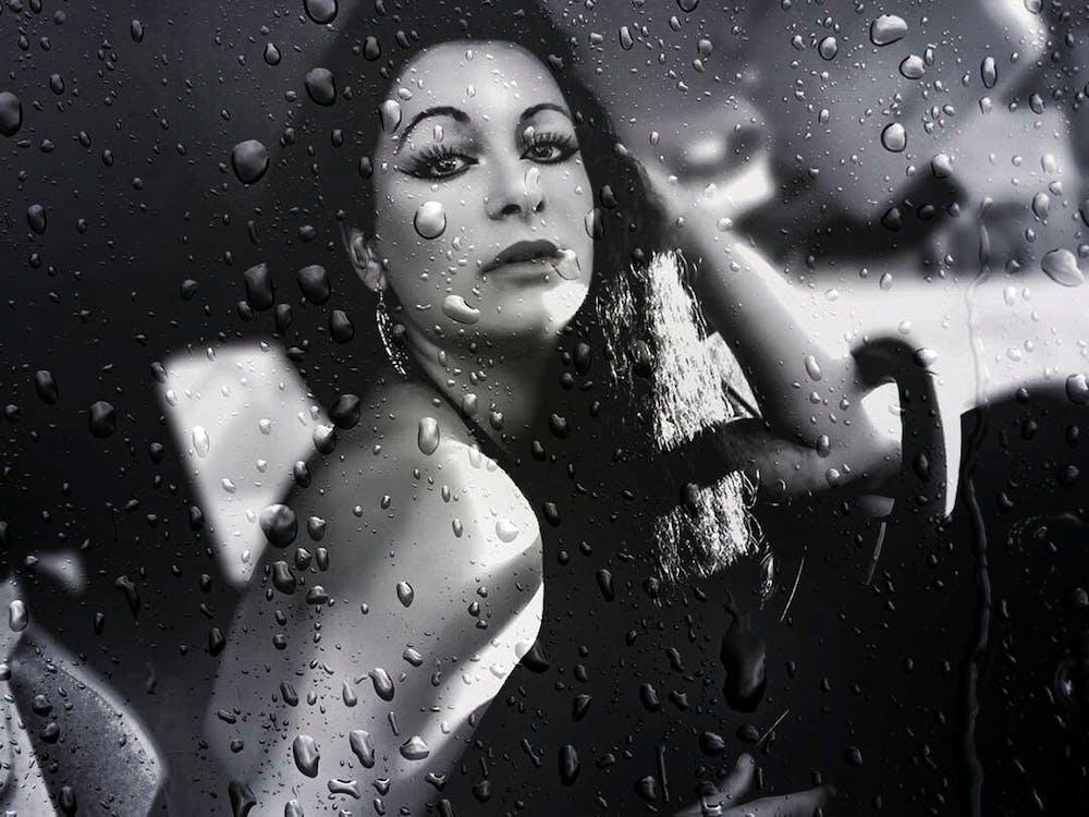cinta, hari hujan, hitam dan putih