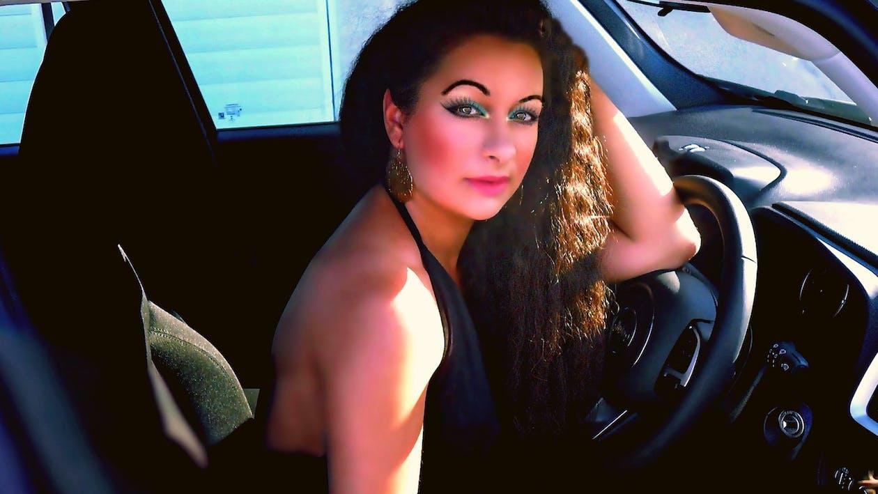 autista, auto, donna bellissima