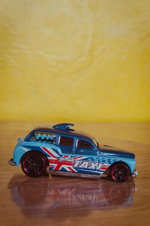 Fotobanka sbezplatnými fotkami na tému auto, detská hračka, hotwheel, hračka