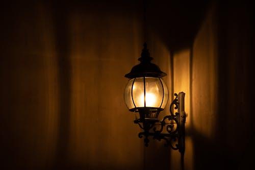 Ilmainen kuvapankkikuva tunnisteilla lampetti, lamppu, liekki, lyhty