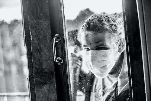Безкоштовне стокове фото на тему «noir, зомбі, люди, чорно-білий»