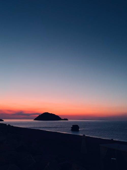 akşam karanlığı, deniz, deniz kıyısı, deniz manzarası içeren Ücretsiz stok fotoğraf