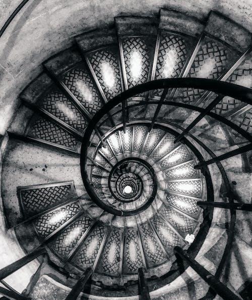 Безкоштовне стокове фото на тему «Париж, спіраль, Сходи, Тріумфальна арка»