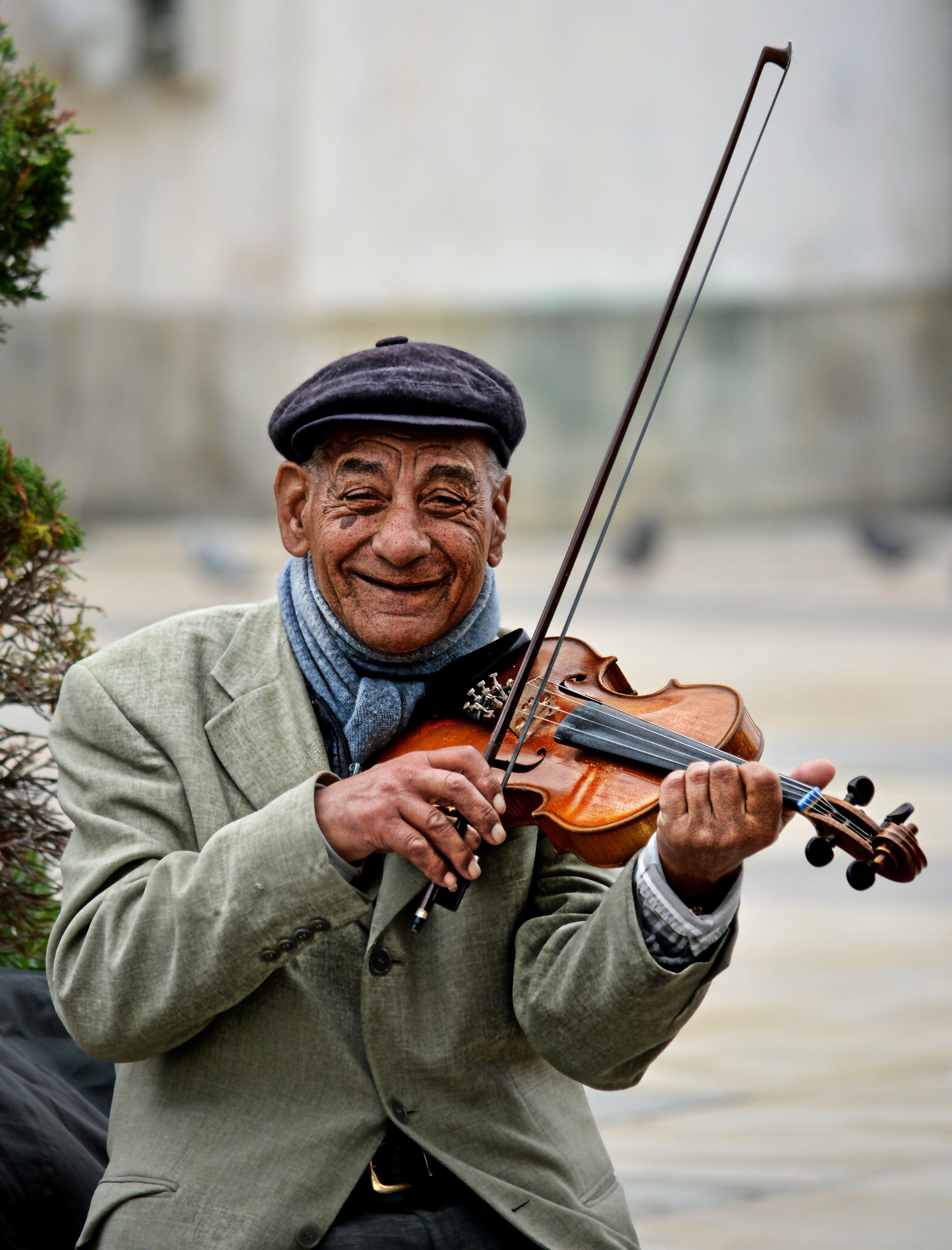 Free stock photo of street, musician, smile, violin