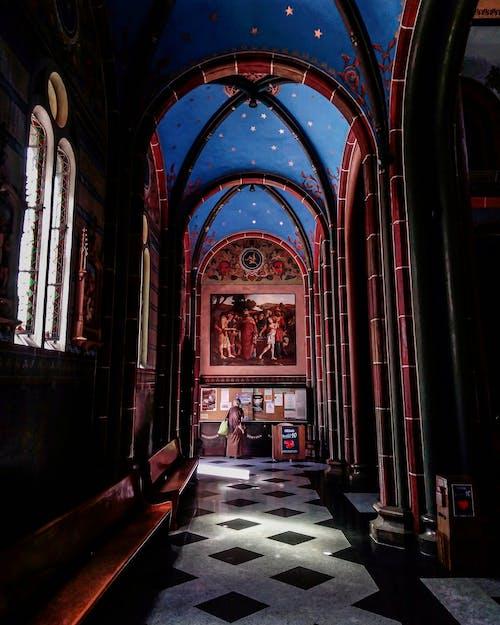 Fotobanka sbezplatnými fotkami na tému architektúra, dóm, farebné sklo, gotický