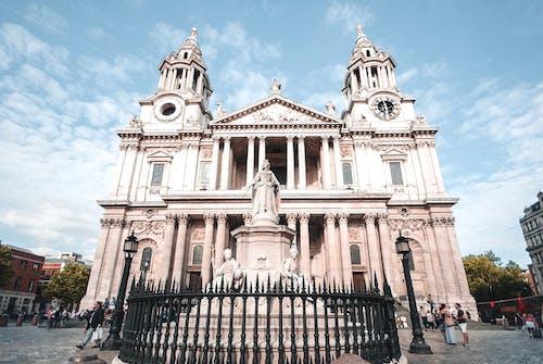 Бесплатное стоковое фото с голубое небо, кафедральный собор, лондон